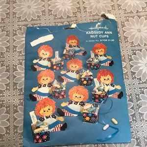 Raggedy Ann vintage paper nut cups